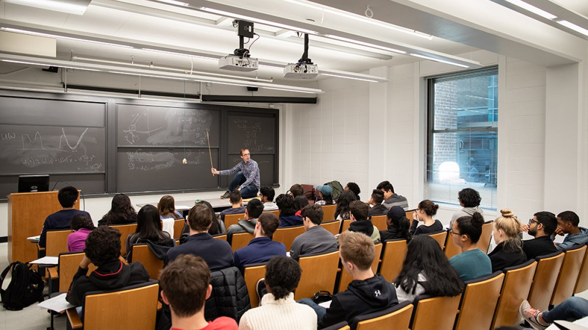 """Prof. Andrew Houck teaches introductory engineering course, """"The Mathematics of Shape and Motion."""""""